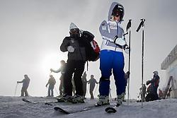 23.10.2015, Rettenbachferner, Soelden, AUT, FIS Weltcup Ski Alpin, Soelden, Vorbereitung, im Bild Vater Paul Gut links und Lara Gut (SUI) waehrend dem Training // during preparation to FIS Ski Alpine World Cup at the Rettenbachferner in Soelden, Austria on 2015/10/23. EXPA Pictures © 2015, PhotoCredit: EXPA/ Freshfocus/ Christian Pfander<br /> <br /> *****ATTENTION - for AUT, SLO, CRO, SRB, BIH, MAZ only*****