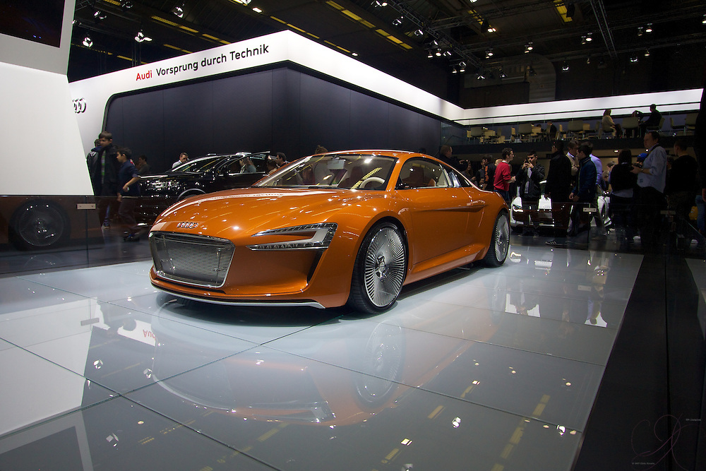 The Audi E-Tron concept as applied to the rear-engine super car R8. Amazing piece of kit this is, with an almost throwback 1970s color - my vote for best in show at the Auto Salon Brussels
