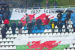 KIEV, UKRAINE - Tuesday, June 5, 2001: Wales' fans brave the rain to cheer their team on during the Under-21 World Cup Qualifying match against Ukraine at the Dynamo Stadium. (Pic by David Rawcliffe/Propaganda)