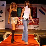 Miss Nederland 2003 reis Turkije, Miss Overijssel, Lianne Langkamp + Marenka Vink