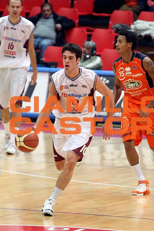 DESCRIZIONE : Livorno Lega A2 2007-08 TDShop.it Livorno Fileni Jesi<br /> GIOCATORE : D'Ercole Lorenzo<br /> SQUADRA : TDShop.it Livorno<br /> EVENTO : Campionato Lega A2 2007-2008<br /> GARA : TDShop.it Livorno Fileni Jesi<br /> DATA : 09/11/2007<br /> CATEGORIA : Palleggio<br /> SPORT : Pallacanestro<br /> AUTORE : Agenzia Ciamillo-Castoria/Stefano D'Errico