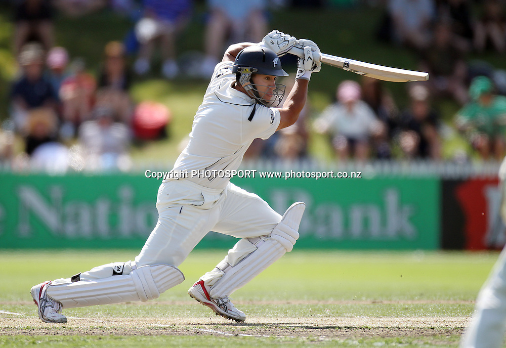 New Zealand batsman Ross Taylor batting.<br />