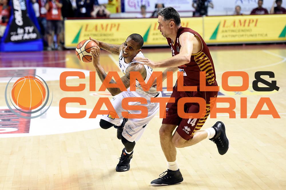 Joao Gomes<br /> Umana Reyer Venezia - Dolomiti Energia Aquila Basket Trento<br /> Lega Basket Serie A 2016/2017<br /> Playoff, finale gara 5<br /> Venezia, 18/06/2017<br /> Foto M.Ceretti / Ciamillo-Castoria