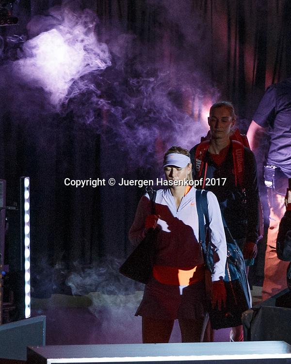 MARIA SHARAPOVA (RUS) betritt den Platz im  Scheinwewerfer Licht,Nebel,Rauch,<br /> <br /> Tennis - Porsche  Tennis Grand Prix 2017 -  WTA -  Porsche-Arena - Stuttgart -  - Germany  - 27 April 2017.