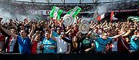 ROTTERDAM - Feyenoord - Heracles , Voetbal , Seizoen 2016/2017 , Eredivisie , Stadion Feyenoord - De Kuip , 14-05-2017 , Kampioenswedstrijd , eindstand 3-1 , Uitzinnige supporters na de 3-0 en vieren het kampioenschap