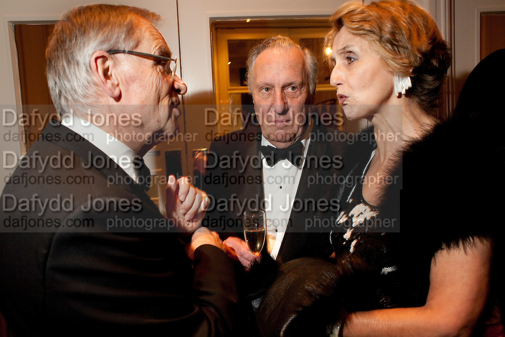 LORD JEFFREY ARCHER; SIR FREDERICK FORSYTH; LADY FORSYTH, 80th anniversary gala dinner for the Foyles&Otilde; Literary Lunch. Ballroom. Grosvenor House Hotel. Park Lane. London. 21 October 2010. -DO NOT ARCHIVE-&copy; Copyright Photograph by Dafydd Jones. 248 Clapham Rd. London SW9 0PZ. Tel 0207 820 0771. www.dafjones.com.<br /> LORD JEFFREY ARCHER; SIR FREDERICK FORSYTH; LADY FORSYTH, 80th anniversary gala dinner for the Foyles&rsquo; Literary Lunch. Ballroom. Grosvenor House Hotel. Park Lane. London. 21 October 2010. -DO NOT ARCHIVE-&copy; Copyright Photograph by Dafydd Jones. 248 Clapham Rd. London SW9 0PZ. Tel 0207 820 0771. www.dafjones.com.