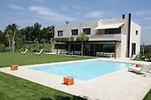 Modern Pool 231