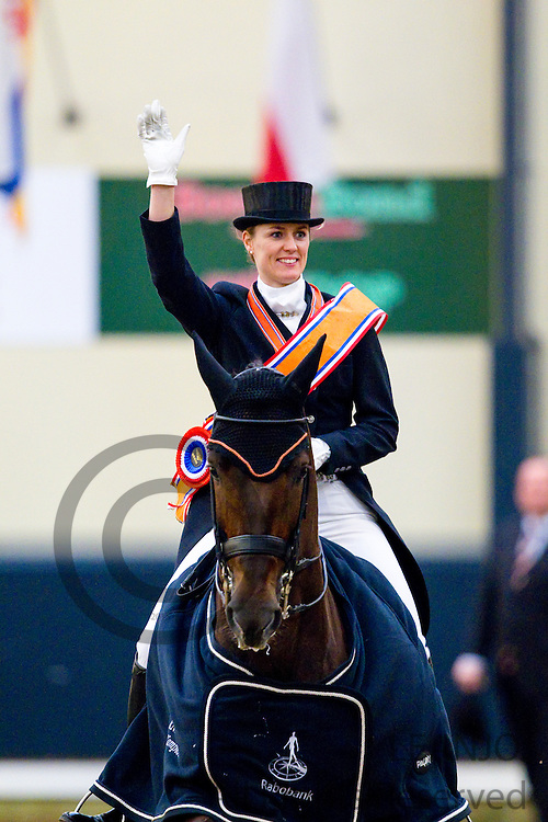 Madeleine Witte Vrees - Vontango B<br /> KNHS Indoorkampioenschappen<br /> © DigiShots