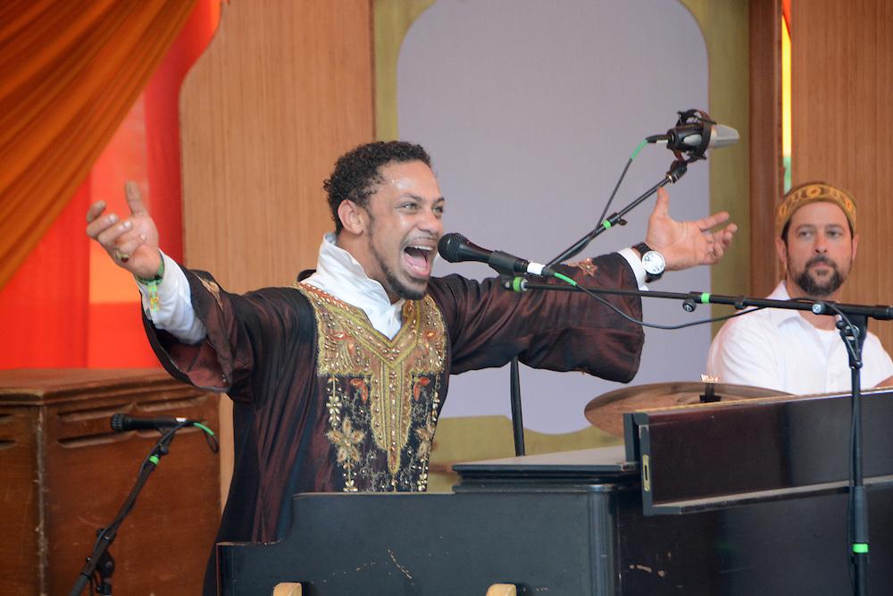 Joshua Nelson and the Kosher Gospel Singers from Beloved Sacred Arts Festival 2013