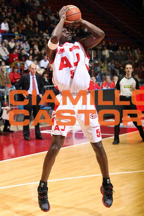DESCRIZIONE : Milano Lega A1 2007-08 Armani Jeans Milano Solsonica Rieti<br /> GIOCATORE : Ansu Sesay<br /> SQUADRA : Armani Jeans Milano<br /> EVENTO : Campionato Lega A1 2007-2008<br /> GARA : Armani Jeans Milano Solsonica Rieti<br /> DATA : 13/01/2008<br /> CATEGORIA : Tiro<br /> SPORT : Pallacanestro<br /> AUTORE : Agenzia Ciamillo-Castoria/S.Ceretti