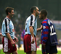 Photo:Alan Crowhurst, Digitalsport<br /> NORWAY ONLY<br /> <br /> CRYSTAL PALACE v WALSALL,Nationwide Division One,01/05/2004.Wayne Routledge can't agree with the Walsall player.