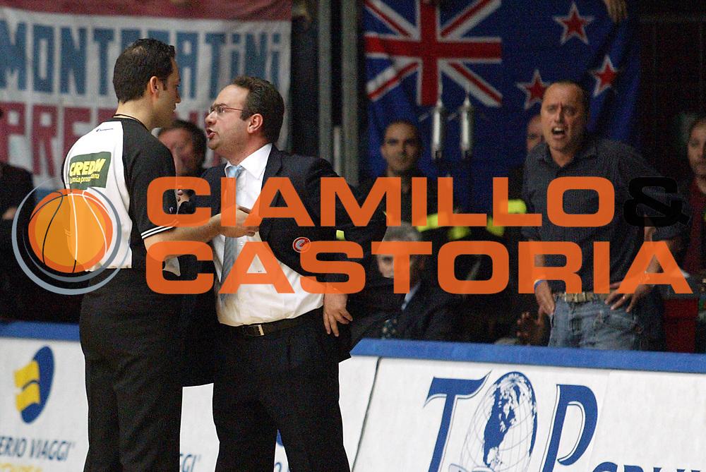 DESCRIZIONE : Cantu Lega A1 2005-06 Vertical Vision Cantu Lottomatica Virtus Roma <br />GIOCATORE : Sacripanti Corrado Arbitro<br />SQUADRA : Vertical Vision Cantu<br />EVENTO : Campionato Lega A1 2005-2006<br />GARA : Vertical Vision Cantu Lottomatica Virtus Roma<br />DATA : 23/04/2006<br />CATEGORIA : Delusione<br />SPORT : Pallacanestro<br />AUTORE : Agenzia Ciamillo-Castoria/S.Ceretti