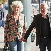 NLD/Amsterdam/20171014 - Besloten erdenkingsdienst overleden burgemeester Eberhard van der Laan, Harry Slinger en partner Marijke van der Pol