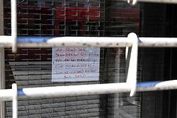 15.03.2020, Innsbruck, AUT, Coronavirus, Ausgangssperre in ganz Tirol, Tirol hat de facto eine Ausgangssperre verhängt. In einer Stellungnahme erklärte Landeshauptmann Günther Platter am Vormittag, die Tirolerinnen und Tiroler dürften die Wohnung nicht verlassen, davon gibt es nur wenige Ausnahmen, im Bild Geschäft Geschlossen // during a Curfew all over Tyrol, Tirol has de facto imposed a curfew. In a statement, Governor Günther Platter said in the morning that the Tyroleans were not allowed to leave the apartment, there are only a few exceptions. Innsbruck, Austria on 2020/03/15. EXPA Pictures © 2020, PhotoCredit: EXPA/ Erich Spiess