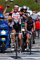 CYCLING - TOUR DE FRANCE 2004 - STAGE 12 - CASTELSARRASIN > LA MONGIE - 16/07/2004 - PHOTO: FRANCK FAUGERE / DIGITALSPORT                          <br /> IVANBASSO (ITA) / TEAM CSC - WINNER - LANCE ARMSTRONG (USA) / US POSTAL - 2ND