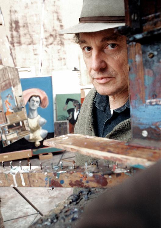 G&eacute;rard Garouste, n&eacute; le 10 mars 1946 &agrave; Paris, est un &eacute;crivain, peintre, graveur et sculpteur fran&ccedil;ais. G&eacute;rard Garouste est le mari de la designer Elizabeth Garouste.<br /> Marcilly-sur-Eur, 2002