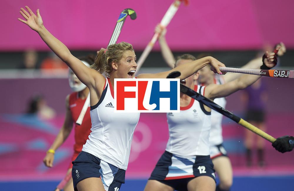 LONDON - Olympische Spelen 2012.Women match .Great Britain v Korea.foto: Georgie Twigg scores 4-3.FFU PRESS AGENCY COPYRIGHT FRANK UIJLENBROEK.