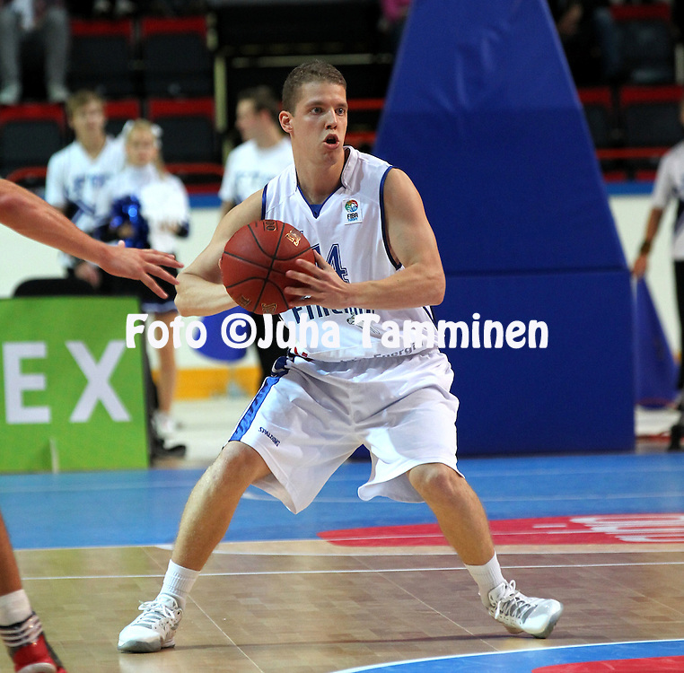 24.8.2012, J??halli / Ice Stadium, Helsinki, Finland..Koripallon EM-karsintaottelu Suomi - Belgia / FIBA EuroBasket 2013 Qualifying match, Finland v Belgium..Roope Ahonen - Finland..
