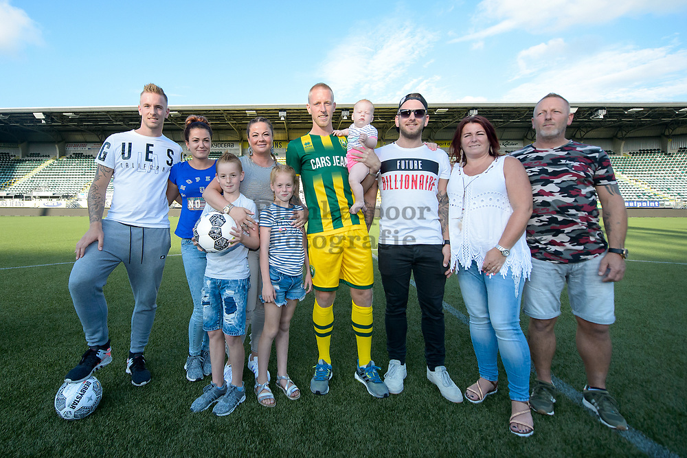 03-07-2017: Voetbal: Lex Immers<br /> (L-R) Family of new player Lex Immers of ADO Den Haag