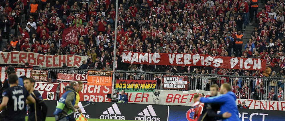29.092015. Munich, Germany.  Champions League  FC Bayern Munich - Dinamo Zagreb, at the Allianz-Arena Munich. Supporters with banners for anti-corruption in football
