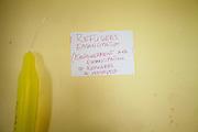 198 / Internet Cafe fuer Fluechtlinge: EUROPA, DEUTSCHLAND, BRANDENBURG, EISENHUETTENSTADT, 25.08.2011: Offizielle Eroeffnung des von Refugees Emancipation e.V. eingerichteten Internetcafes  am 25. August 2011 in der Zentralen Aufnahmestelle fuer Asylbewerber_Innen in Eisenhuettenstadt, Brandenburg. Refugees Emancipation ist ein selbstorganisiertes Fluechtlingsprojekt. Es setzt sich dafuer ein, dass Asylsuchenden sowohl fachlich als auch strukturell Zugang zu Computern und dem Internet ermoeglicht wird, damit die Lebensqualitaet verbessert und Isolationsmechanismen ausgehebelt werden. Im Rahmen des Projekts werden mehrere Internetcafes in Gemeinschaftsunterkuenften fuer AsylbewerberInnen betrieben, in Potsdam-Schlaatz, Prenzlau, Rathenow, Luckenwalde und Eisenhuettenstadt. Außerdem unterhaelt Refugees Emancipation ein Internetcafe in seinen Bueroraeumlichkeiten in Potsdam. Die Nutzung der Internetcafes ist kostenlos. Die Internetcafes sind offene Raeume, die Asylsuchende selbst verwalten und in denen sie alternative Bildungsangebote wahrnehmen koennen. Zu den Bildungsangeboten, die Refugees Emancipation in den Internetcafes organisiert und durchfuehrt, gehoeren zum Beispiel Computer-, Radio- und Audiotechnik sowie Deutschkurse. - Marco del Pra / imagetrust - Stichworte: Ankunft, Asyl, Asylbewerber, Asylbewerberheim, AsylbewerberInnen, Asylsuchend, Asylsuchende, Asylsuchenden, Audiotechnik, Aufenthalt, Aufenthaltsdauer, Ausland, Baracke, Baracken, BGS, Bildung, Bildungsangebot, Bildungsangebote, Brandenburg, Bundesgrenzschutz, Chu Eben, Computer, Computern, Deutschkurse, Einsamkeit, Eisenhuettenstadt, Eroeffnung, Festung Europa, Fluechtling, Fluechtlinge, Fluechtlingsprojekt, Fremd, Gefaengniss, Gemeinschaftsunterkuenft, Grenze, Grenzen, Heim, Information, Internet, Internetcafe, Isolation, Isolationsmechanismen, Isolationsmechanismus, kostenlos, Lager, Lebensqualitaet, Luckenwalde, Menschen ohne Papiere, migrant, Migranten, migration, Model Release:No, Pflicht, Pole