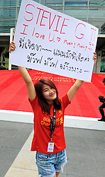 BANGKOK, THAILAND - Saturday, July 27, 2013': Liverpool supporters during a commercial appearance at the Capital World Shopping Centre ahead of their preseason friendly match against Thailand. (Pic by David Rawcliffe/Propaganda)