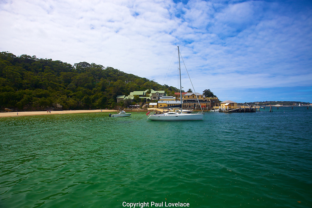 Clifton Gardens is a great fishing spot in summer, where Australian Salmon and Kingfish are caught frequently in summer.