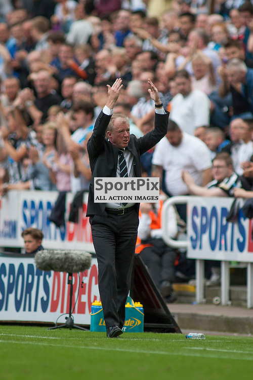 Steve Mcclaren tried to raise the spirits of the home fans in the Newcastle United v Arsenal Barclays Premier League match at St James' Park Newcastle 29 August 2015<br />