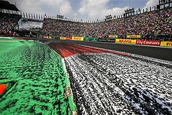 October 29, 2017 - Mexico-City, Mexico - Motorsports: FIA Formula One World Championship 2017, Grand Prix of Mexico, .Bremsspur, Bremsspuren, Strecke, Gummi, Spur, Reifenspuren, Reifenspur, Streifen, Asphalt, Abrieb, Gummi, marks, curb, curbs  (Credit Image: © Hoch Zwei via ZUMA Wire)