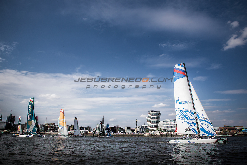 2015 Extreme Sailing Series - Act 5 - Hamburg.<br /> Gazprom Team Russia skippered by Phil Robertson (NZL) and crewed by Igor Lisovenko (RUS), Garth Ellingham (NZL), Alexander Bozhko (RUS) and Aleksey Kulakov (RUS).<br /> Credit Jesus Renado.