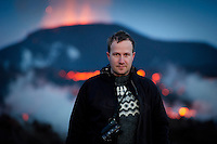 Andri Snær Magnason rithöfundur við eldgosið á Fimmvörðuhálsi 30. mars 2010.
