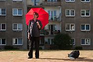 Keine Dusche, nichts zu trinken, kaum Klamotten: Wie Obdachlose unter der Sommerhitze leiden. 30 GRAD UND MEHR:<br /> Wer wie Frank kein Dach über dem Kopf hat, muss leiden.