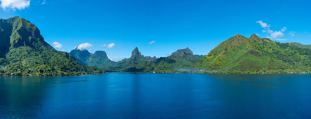 Opuhunu Bay, Moorea, French Polynesia, South Pacific