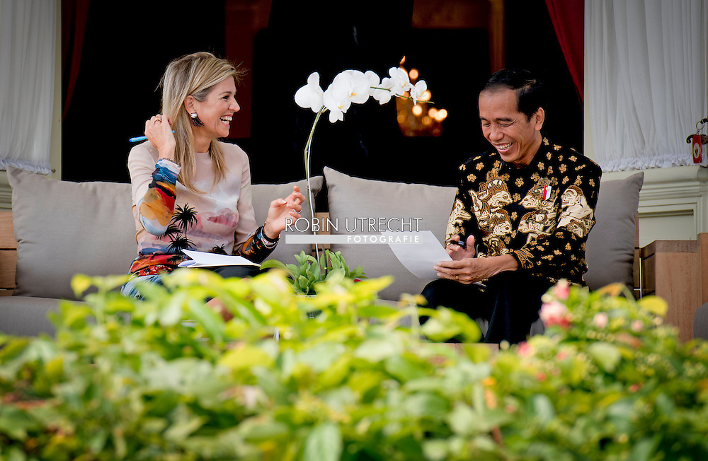 2016/01/09 JAKARTA - Koningin Maxima ontmoet president indonesi&euml; Joko Widodo Koningin Maxima bezoeken op Donderdag, 1 september tot 1 donderdag, september, de Republiek Indonesi&euml; in haar rol van speciale pleitbezorger van de secretaris-generaal van de Verenigde Naties voor Inclusive Finance for Development. COPYRIGHT ROBIN UTRECHT NETHERLANDS ONLY <br /> 1-9-2016 JAKARTA  - Queen Maxima  meets president indonesia  Joko Widodo Queen Maxima visit on thurday , 1 september to Thursday, September 1st, the Republic of Indonesia in its role of special advocate of the Secretary-General of the United Nations for Inclusive Finance for Development. COPYRIGHT ROBIN UTRECHT NETHERLANDS ONLY