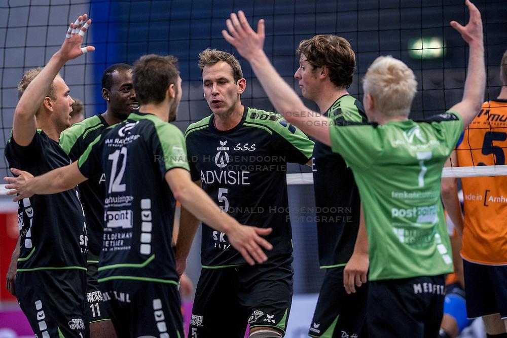 22-10-2016 NED: TT Papendal/Arnhem - Advisie SSS, Arnhem<br /> De Talenten winnen met 3-2 van SSS / Freek Michel #5 of SSS