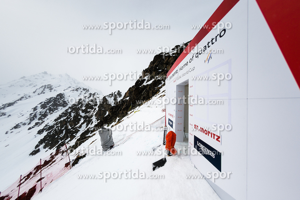 15.03.2016, Engiadina, St. Moritz, SUI, FIS Weltcup Ski Alpin, St. Moritz, Abfahrt, Herren, 1. Training, im Bild Medien Besichtigung Freefall Start // during 1st training run for the men's Downhill of St. Moritz Ski Alpine World Cup finals at the Engiadina in St. Moritz, Switzerland on 2016/03/15. EXPA Pictures &copy; 2016, PhotoCredit: EXPA/ Freshfocus/ Manuel Lopez<br /> <br /> *****ATTENTION - for AUT, SLO, CRO, SRB, BIH, MAZ only*****
