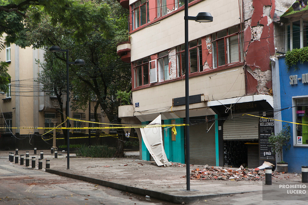 Edificios destruidos, colonia Condesa, 21 de septiembre de 2017 / Destroyed buildings in Colonia Condesa, September 21st, 2017  (Prometeo Lucero)