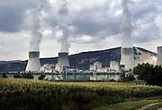Frankrijk, Montelimar, 23-8-2006Kerncentrale van de EDF, electricite de France, van Cruas Meysse aan de Rhone in het Rhonedal.Foto: Flip Franssen/Hollandse Hoogte