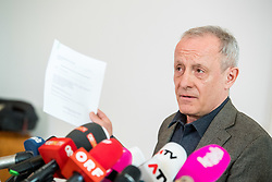 "20.03.2018, Parlamentsklub Liste PILZ, Wien, AUT, Liste PILZ, Pressekonferenz mit neuen Fakten zu den Vorgängen im  Bundesamt für Verfassungsschutz und Terrorismusbekämpfung (BVT), im Bild Peter Pilz // during media conference of the parliamentary group ""Liste PILZ"" regarding to incidents at the Federal Agency for State Protection and Counter Terrorism in Vienna, Austria on 2018/03/20, EXPA Pictures © 2018, PhotoCredit: EXPA/ Michael Gruber"
