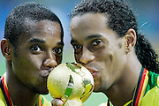 FRANKFURT GERMANY CONFEDERATIONS CUP FINAL  BRAZIL V ARGENTINA  (4-1) 29/06/05.RONALDINHO  AND ROBINHO KISS WINNERS TROPHY.