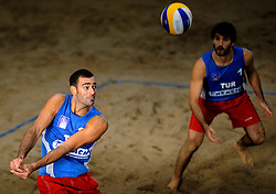 09-01-2011 VOLLEYBAL: CEV SATELLITE INDOOR BEACHVOLLEYBALL: AALSMEER<br /> The first CEV Indoor beachvolleyball tounament semi final NED-TUR / Selcuk Sekerci and Volkan Gogtepe TUR<br /> ©2011-WWW.FOTOHOOGENDOORN.NL