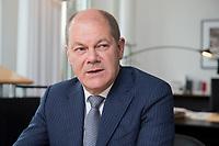 25 JUN 2018, BERLIN/GERMANY:<br /> Olaf Scholz, SPD, Bundesfinanzminister, waehrend einem Interview, in seinem Buero, Bundesministerium der Finanzen<br /> IMAGE: 20180625-02-016<br /> KEYWORDS: B&uuml;ro
