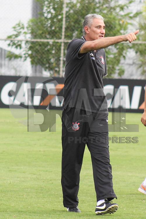SÃO PAULO, SP, 13.11.2015 -CORINTHIANS-RB BRASIL - Tite treinador do Corinthians durante jogo treino contra o RB Brasil no Centro de Treinamento Joaquim Grava na região leste de São Paulo nesta sexta-feira, 13. (Foto: Marcos Moraes/Brazil Photo Press)