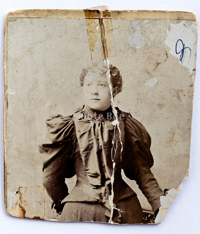 1896 broken and repaired woman portrait photo carton card