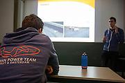 In Amsterdam presenteert het Human Power Team Delft en Amsterdam (HPT), dat bestaat uit studenten van de TU Delft en de VU Amsterdam, de rijders waarmee ze zowel het sprintrecord als uurrecord willen breken. In 2013 reed Sebastiaan Bowier een nieuw sprintrecord in de VeloX3 van het team: 133,78 km/h. Dit jaar hoopt het team dat record aan te scherpen en het uurrecord te breken dat staat op ruim 90 km/h. Voor het eerst willen ze ook het record bij de vrouwen in handen krijgen. Die staan beide op naam van de Francaise Barbara Buatois. <br /> <br /> In Amsterdam the Human Power Team Delft and Amsterdam, consisting of students of the TU Delft and the VU Amsterdam, presents the riders for the new attempts to set new world records on the bike. The current speed record is set in 2013 byj the team with Sebastiaan Bowier: 133,78 km/h. This year they also want to set new records for women.