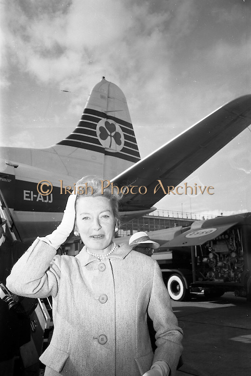 """23/05/1966<br /> 05/23/1966<br /> 23 May 1966<br /> Deborah Kerr arrives at Dublin Airport for filming of the James Bond film """"Casino Royale"""", to be directed by John Houston due to start shooting at Ardmore Studios and Co. Wicklow."""