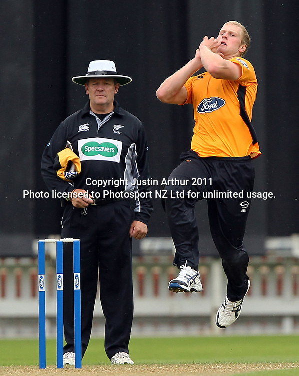 Harry Boam in action. Ford Trophy - Wellington Firebirds v Northern Knights, Hawkins Basin Reserve, Wellington, New Zealand on Wednesday 14 December2011. Photo: Justin Arthur / Photosport.co.nz