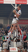 Twickeham, GREAT BRITAIN, Saracens, Chris JACK, looks for an outlet, after winning the line out ball, during the Guinness Premiership game Harlequins [Quins] vs Saracens at the Stoop, Middx, 22/12/2007  [Mandatory Credit Peter Spurrier/Intersport Images]