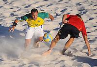 FIFA BEACH SOCCER WORLD CUP 2008 BRAZIL - SPAIN   18.07.2008 BURU (BRA, l) against Cristian TORRES (ESP).