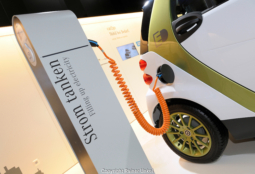 DEU, DEUTSCHLAND : Mercedes-Benz Elektroauto auf der IAA , 16.09.2009.   |DEU, GERMANY : IAA Autoshow in Frankfurt on 16.09.2009 : Mercedes-Benz electric car|.     Copyright by : Rainer UNKEL